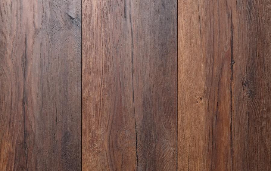 Laminaat donker bruin wild patroon