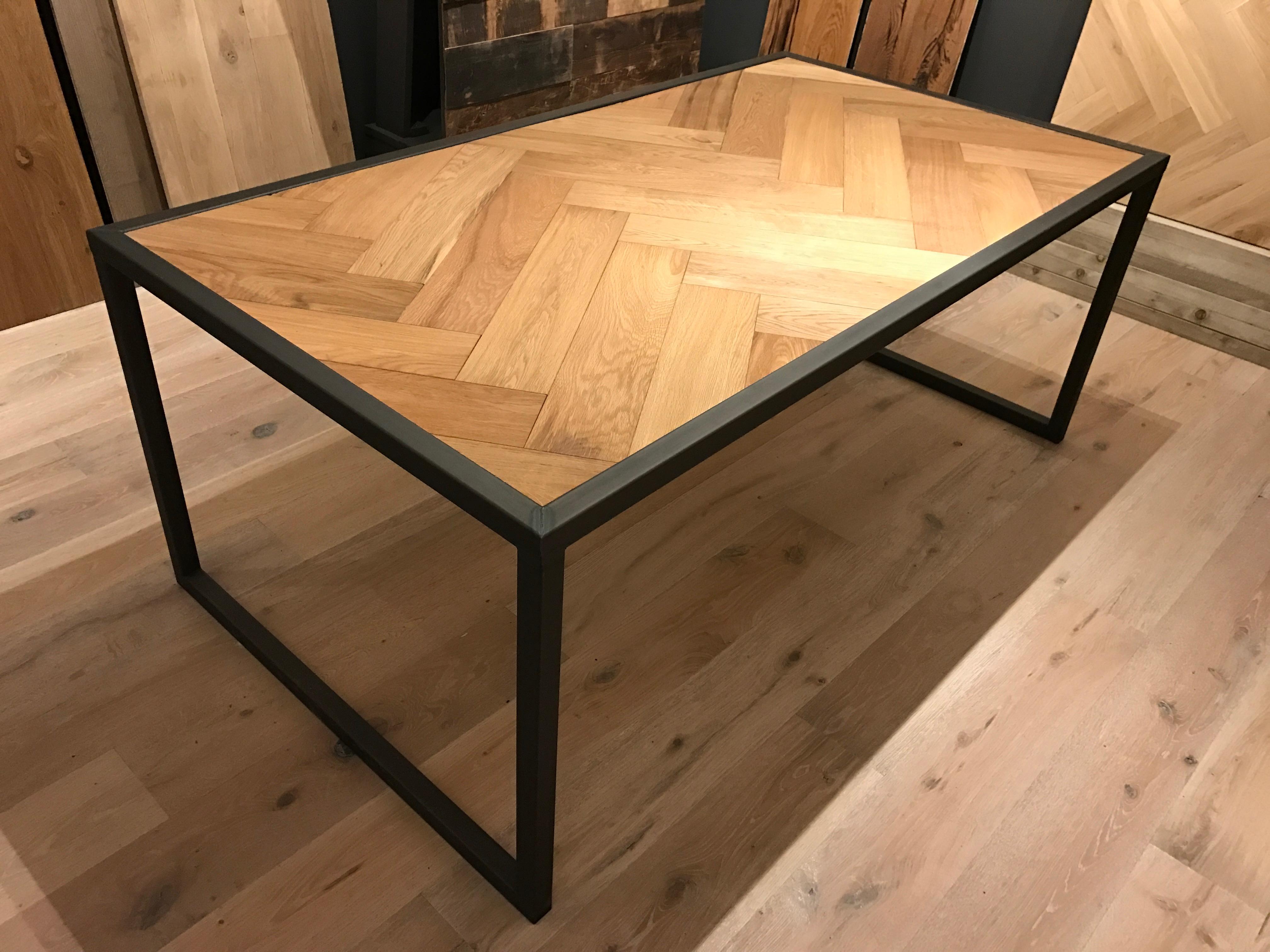 design tafel staal visgraat